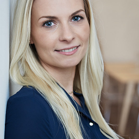 web-800px_Businessportrait-Anna-Sycik-Businessfoto-Wien-3